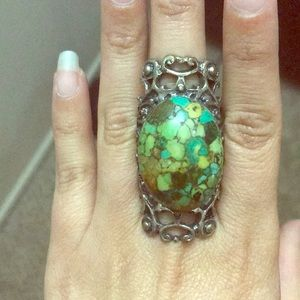 Jewelry - Large stone and filigree ring